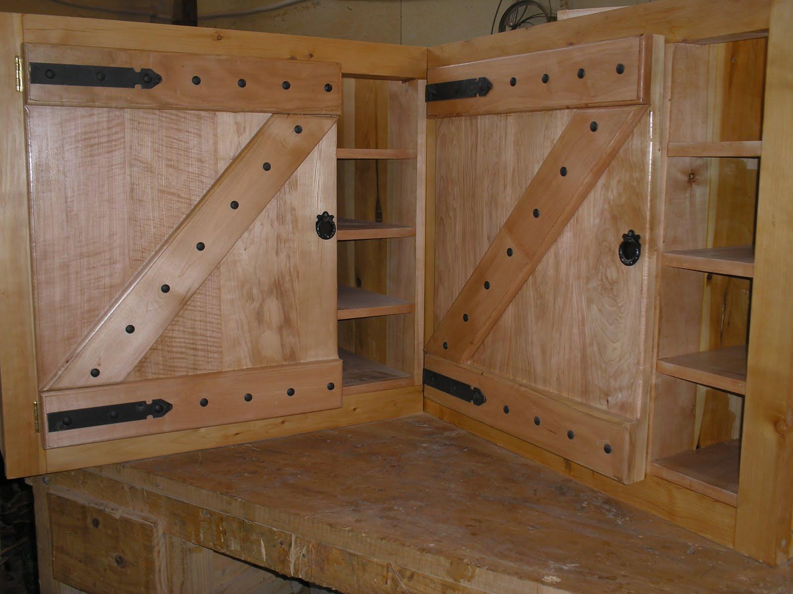 Muebles artesanales alacena y bajomesada estilo campo en for Muebles artesanales de madera