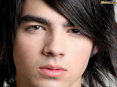 Joe Jonas Ft. Lil Wayne - Just In Love (Remix) Lyrics