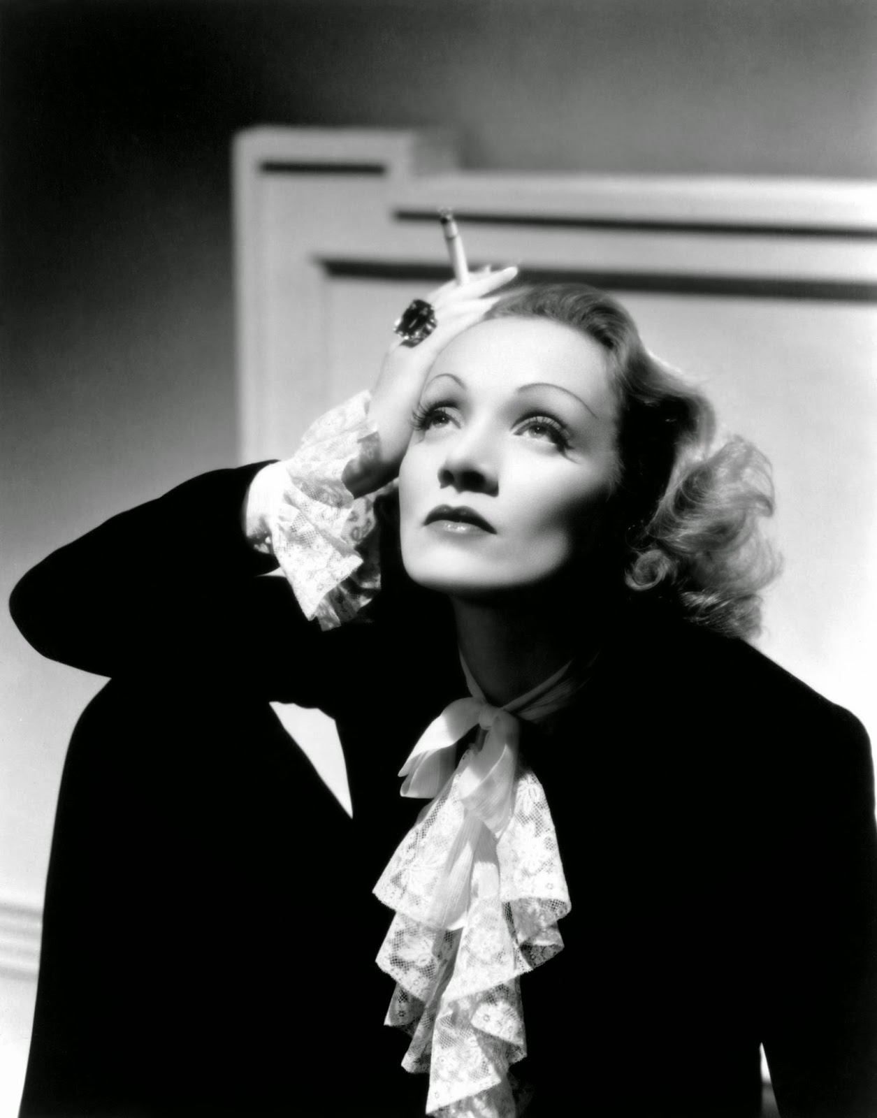 dietrich women Dietrich's cabaret style that rocketed her to fame and notoriety was ultimately the role  however, dietrich was not the only woman changing her style to.
