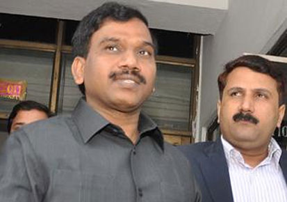 KERALA NEWS: 2G scam: Raja continues his attack on the PM