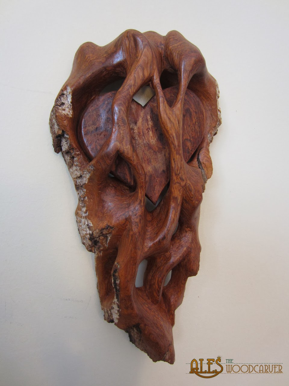 Ales the woodcarver heart within