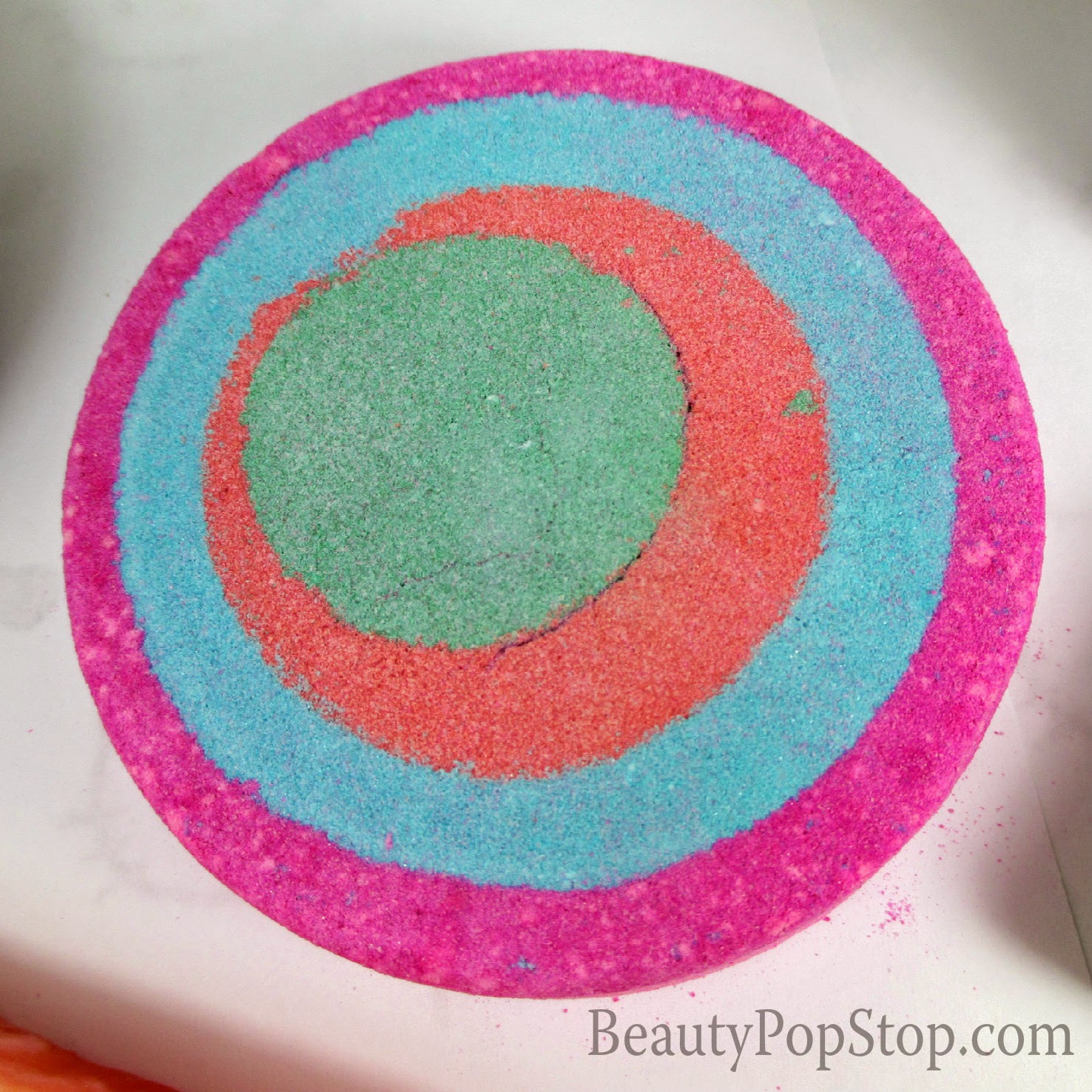 lush granny takes a dip bath bomb review