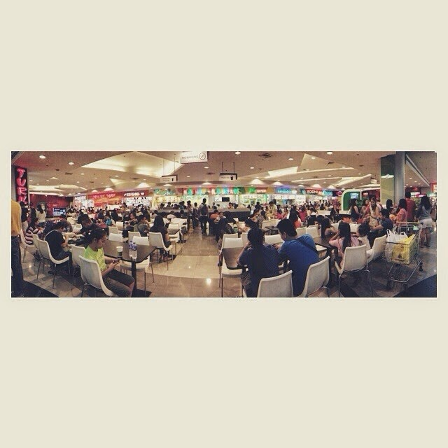 Panoramic shot of SM Foodcourt at SM Manila