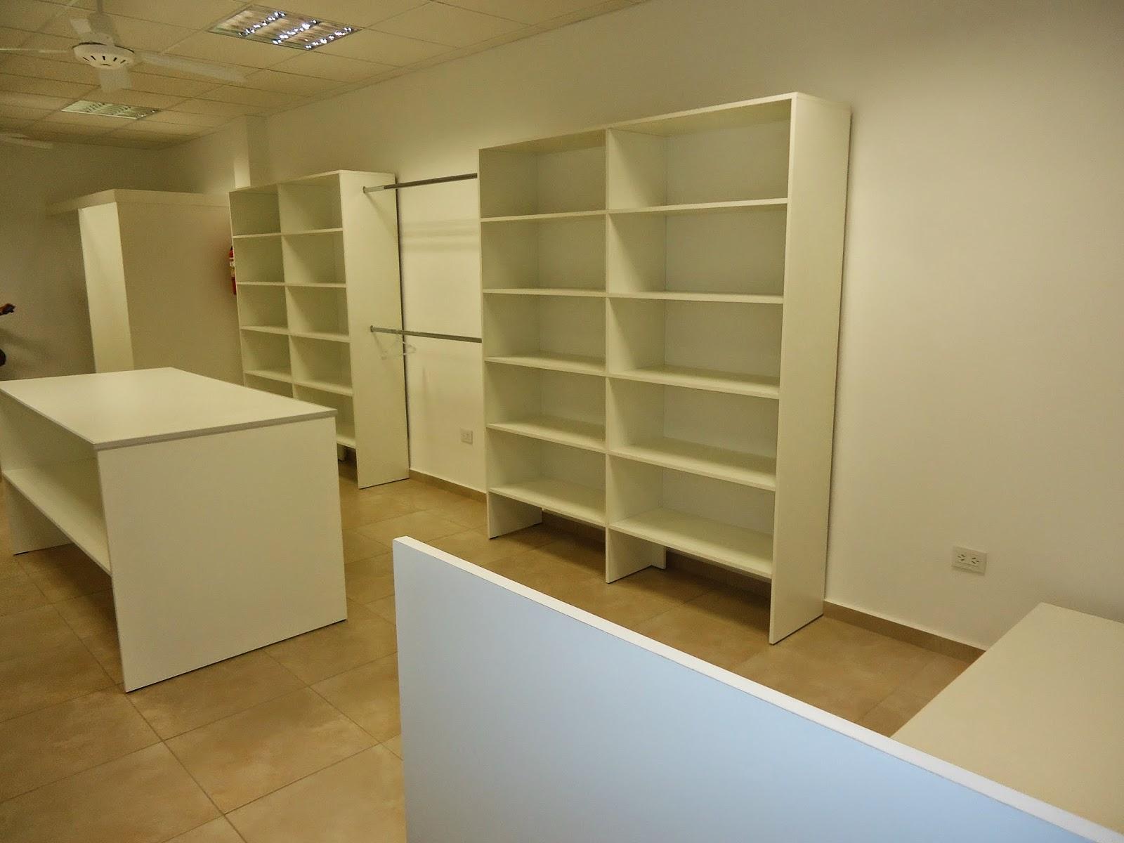 Muebles para negocio de ropa de mujer for Muebles para negocio