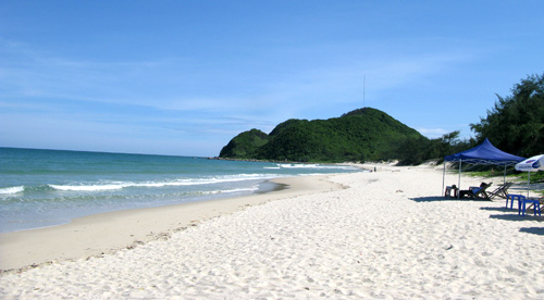 Bãi biển Vân Đồn - Quảng Ninh