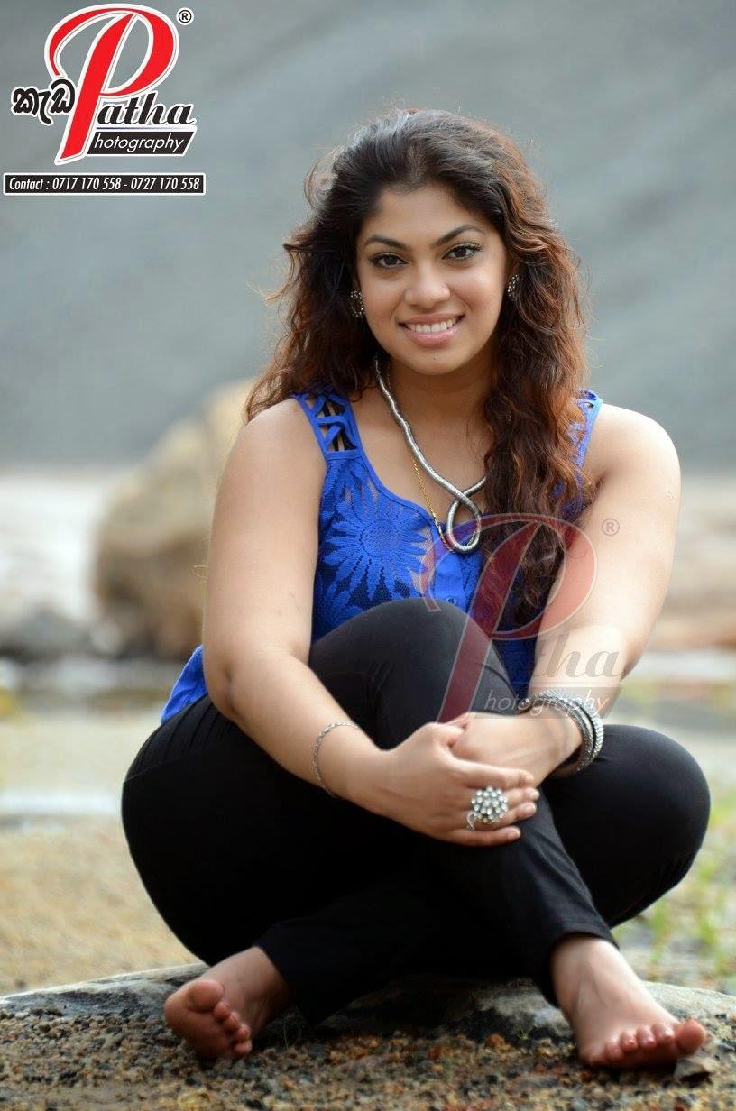 Raini Gunathilake sl singer