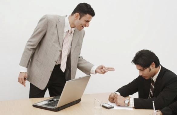 ¿Cómo batallar con el acoso laboral?