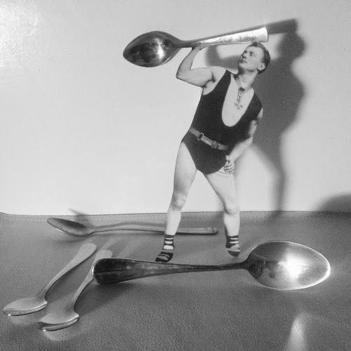 03-Spoon-Lifter-Yorch-Miranda-Vintage-Black-and-White-Photo-in-real Life-www-designstack-co