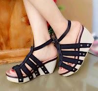 Wedges / Sepatu Hitam Ori