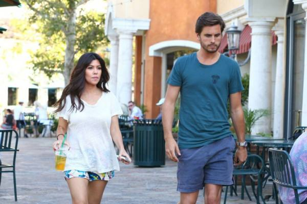 They are not a couple who love living on top of one another, far away, but  it does not mean that Kourtney Kardashian and Scott Disick do not like.