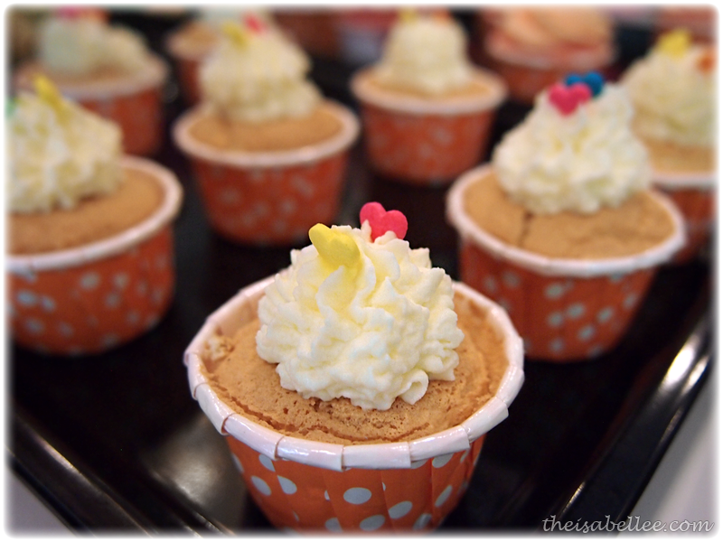Mini Hokkaido cupcakes at Signature Cafearo
