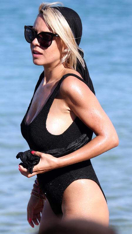 Ράνια Κωστάκη, Sexy, μαγιό, hot 1