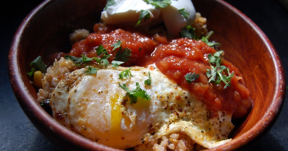 Cassie Craves: Mexican Rice Bowls with Fried Eggs