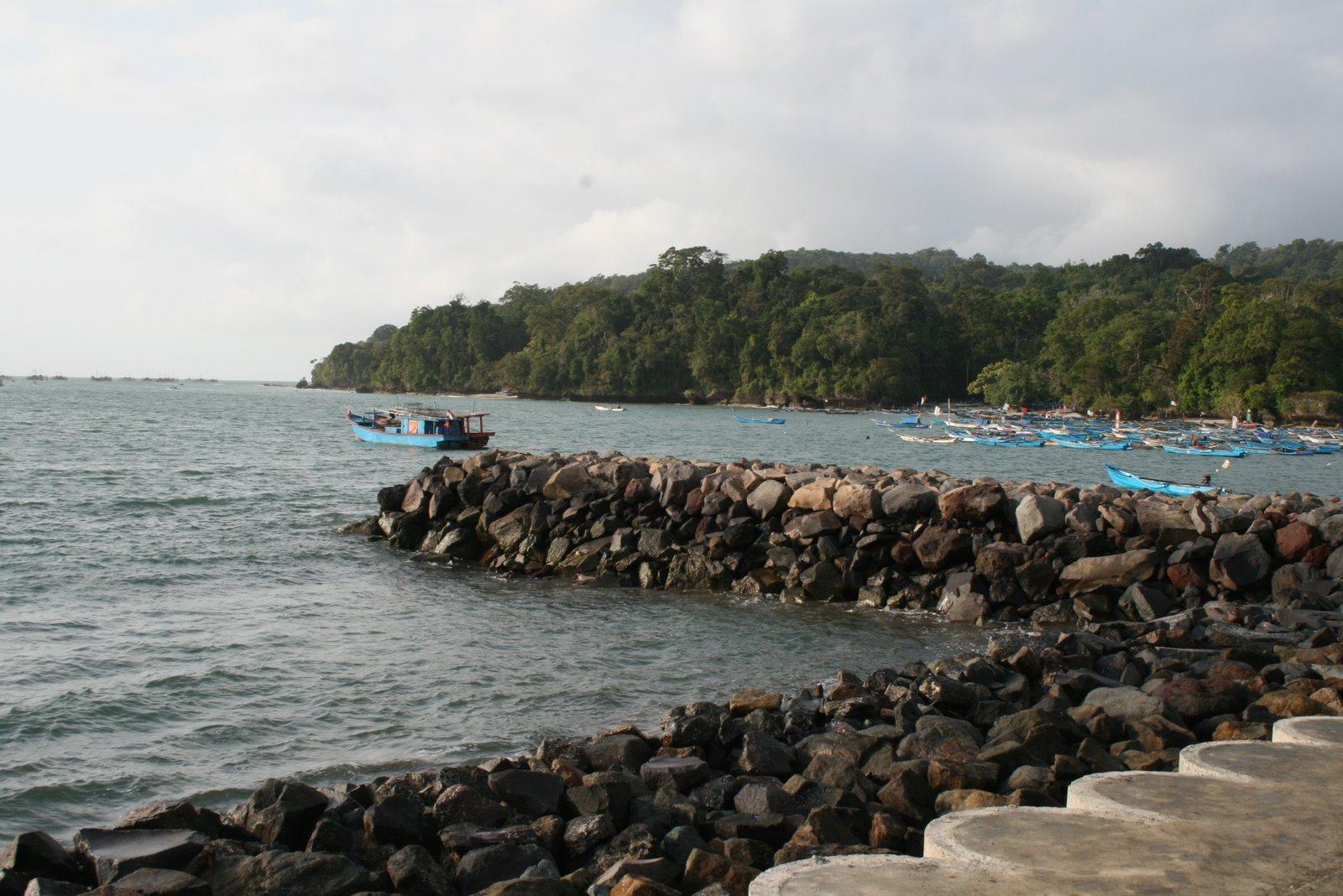 Foto Pantai Timur Pangandaran Pisan
