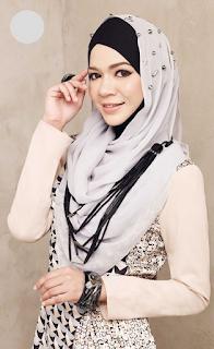 Baju Wanita Muslim untuk Lebaran