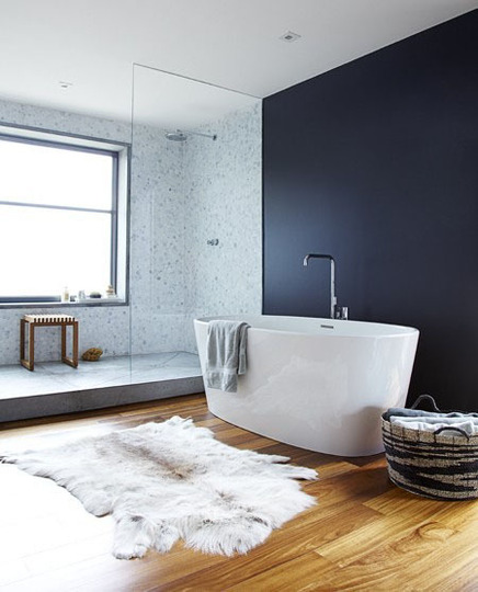Home is where the heart is: BADEZIMMER HOLZBODEN