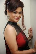 Shilpa Chakravarthy Glamorous Photos-thumbnail-1