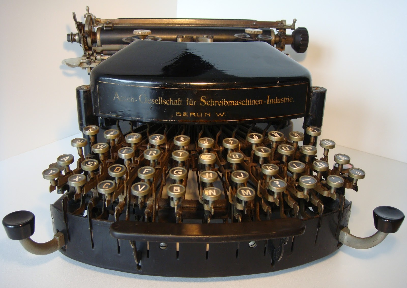 oz.Typewriter: On This Day in Typewriter History: Dodson's Tower