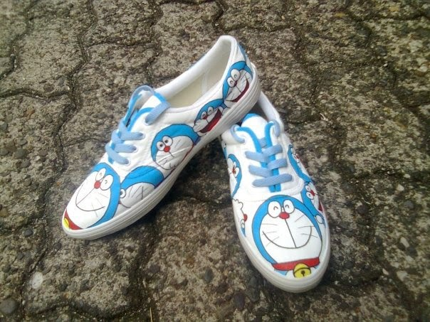 Sepatu Lukis Murah Bandung  Sepatu Lukis Doraemon 5771e7563f