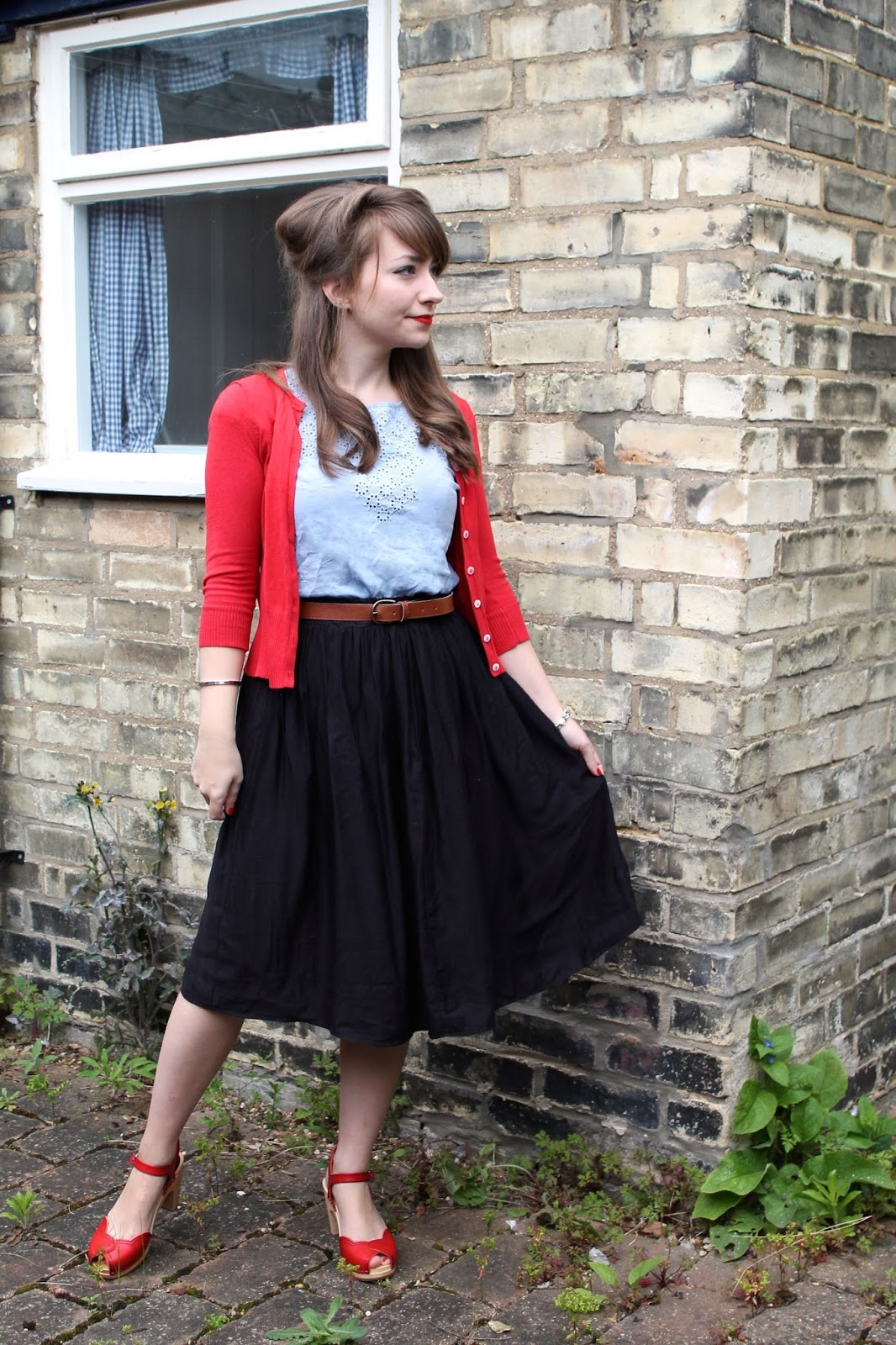 50s look with red heart sandal by Swedish Hasbeens