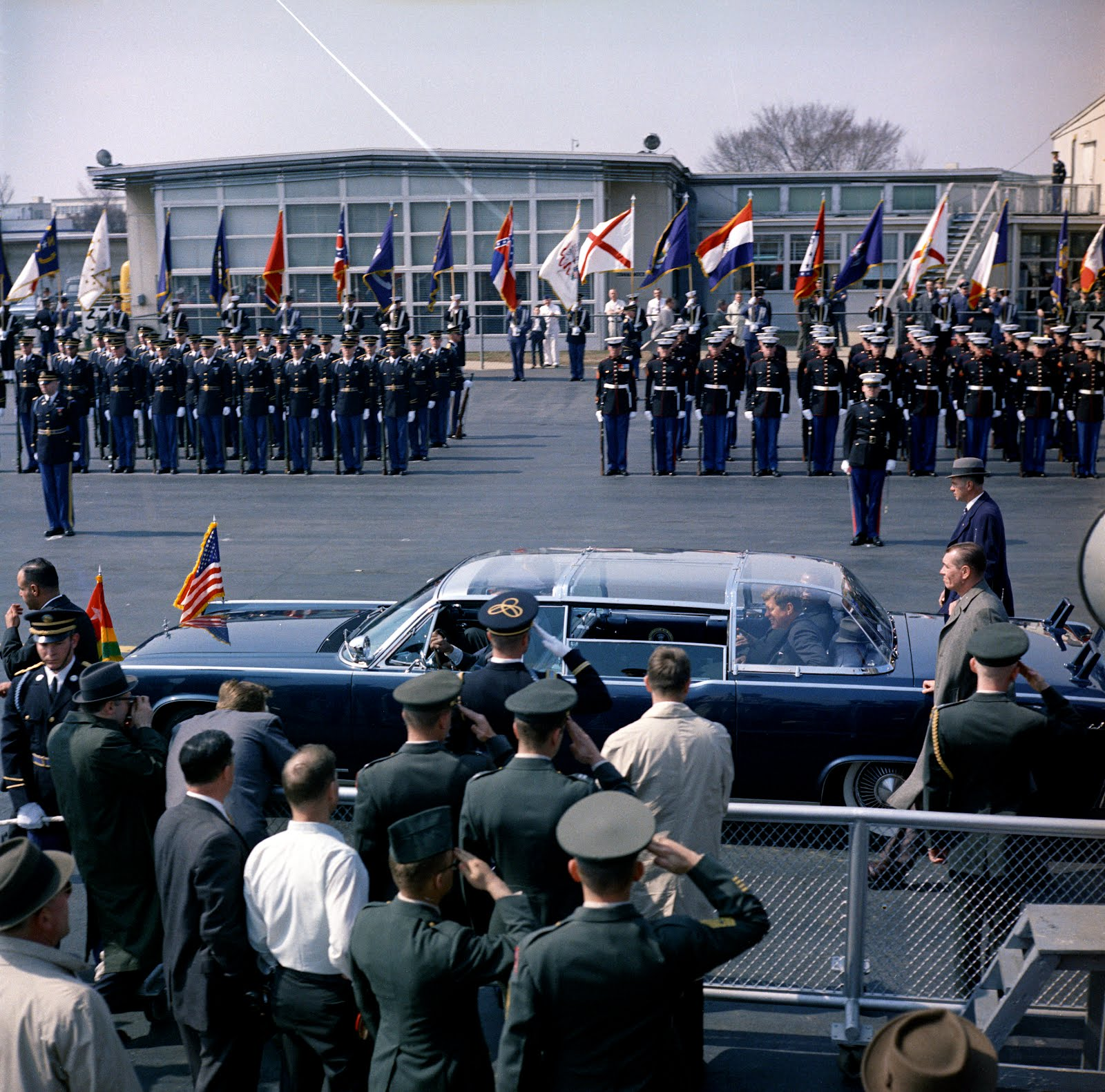 3/20/62: JFK, full bubbletop, agents beside limo