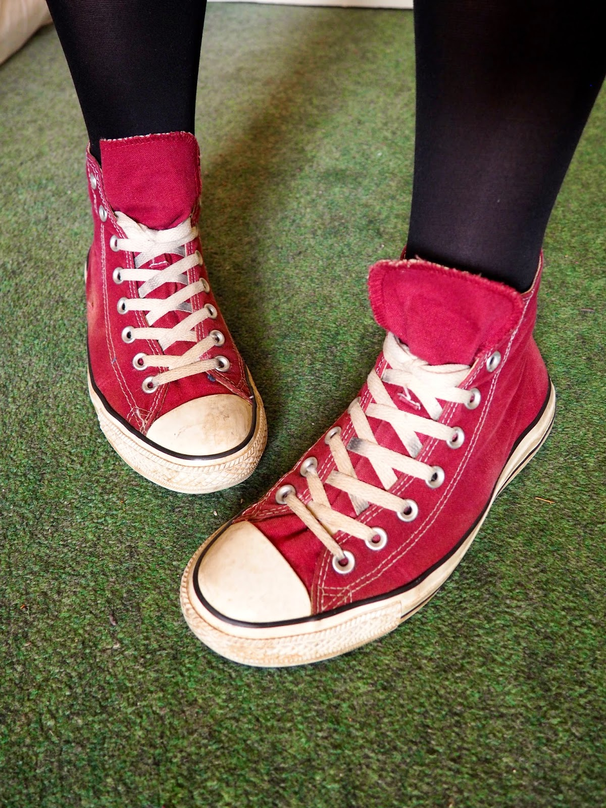 Gig wear outfit details - red burgundy high top Converse sneakers