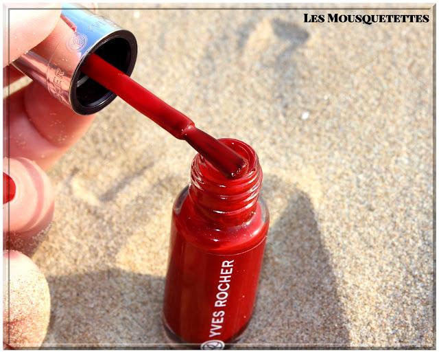 Vernis semi-permanent Laque Effet Gel Yves Rocher - Les Mousquetettes©