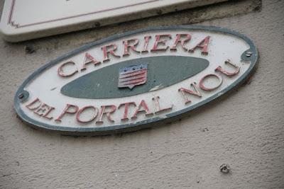 Placa de las calles de Castres en Occitano. Blog Esteban Capdevila