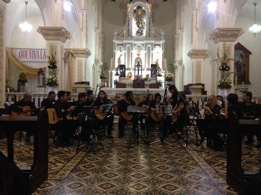 Orquesta de guitarras EMAI