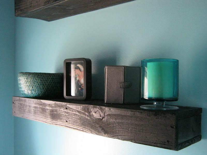 Wood Pallet Floating Shelf