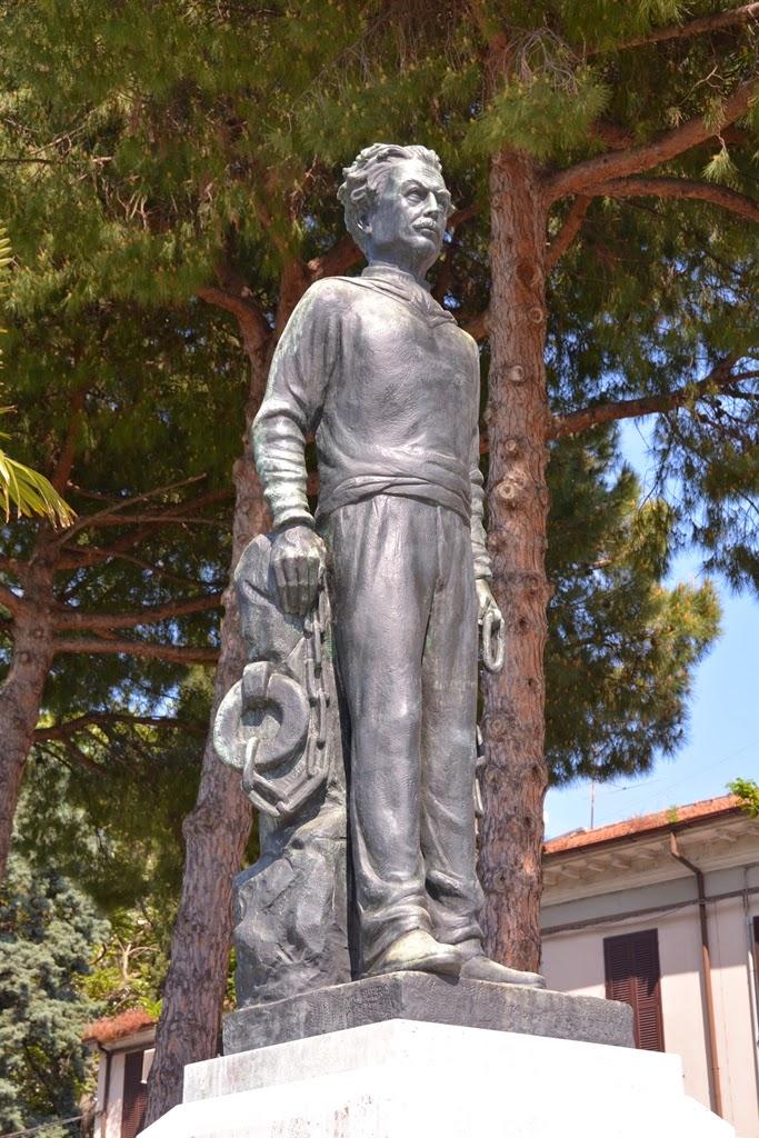 Fisher's port Rimini statue