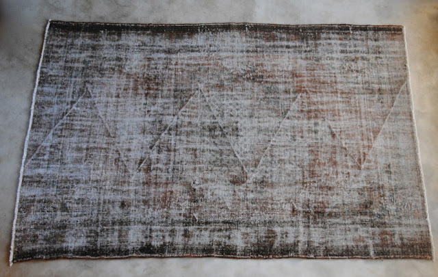 Vintage rug (ref # 7005) 321 cm x 209 cm, L's pick available at Garnier (be) as seen on linenandlavender.net