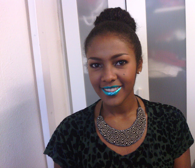 Video Review: GlitzyLips Metallic Lip Foils on dark skin black girl.