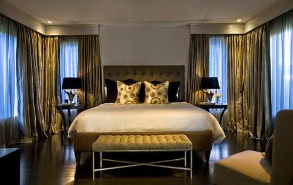 Luxury Bedroom Ceiling Lights: Golden Mansion Bedroom With Ceiling  Spotlights