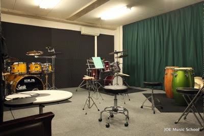ドラム教室 レッスン室 室内写真