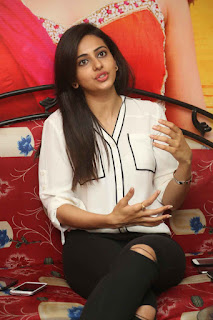 Actress Rakul Preet Singh Pictures in Jeans at Kick 2 Interview   (35)
