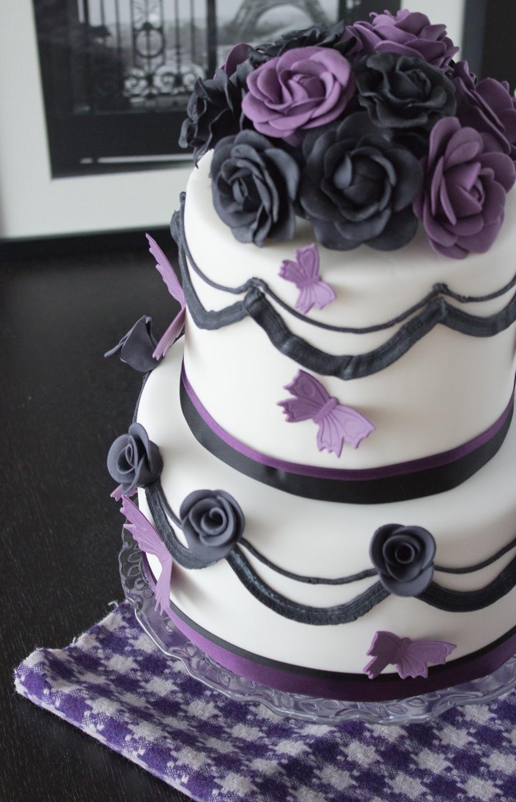 Eschhornchen Hochzeitstorte In Schwarz Lila