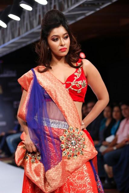 payal ghosh at blenders spride fashion week