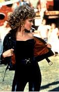 Sandy al final con su estilismo de chica rebelde.