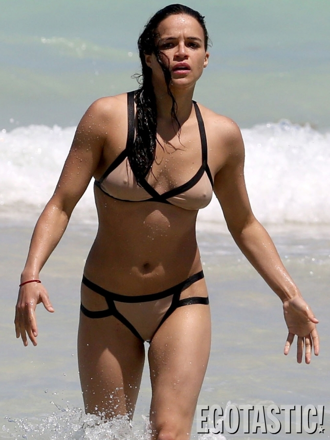 michelle-rodriguez-bikinis-in-miami