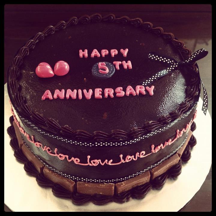 Maina cakes th anniversary