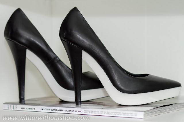 WHITE RUBBER PLATFORM STILETTOS