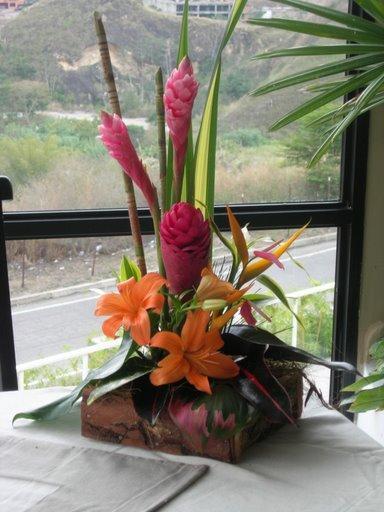 Capitel Decorado Con Flores
