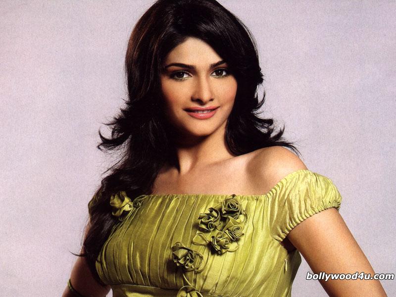 Prachi Desai - Wallpaper Actress