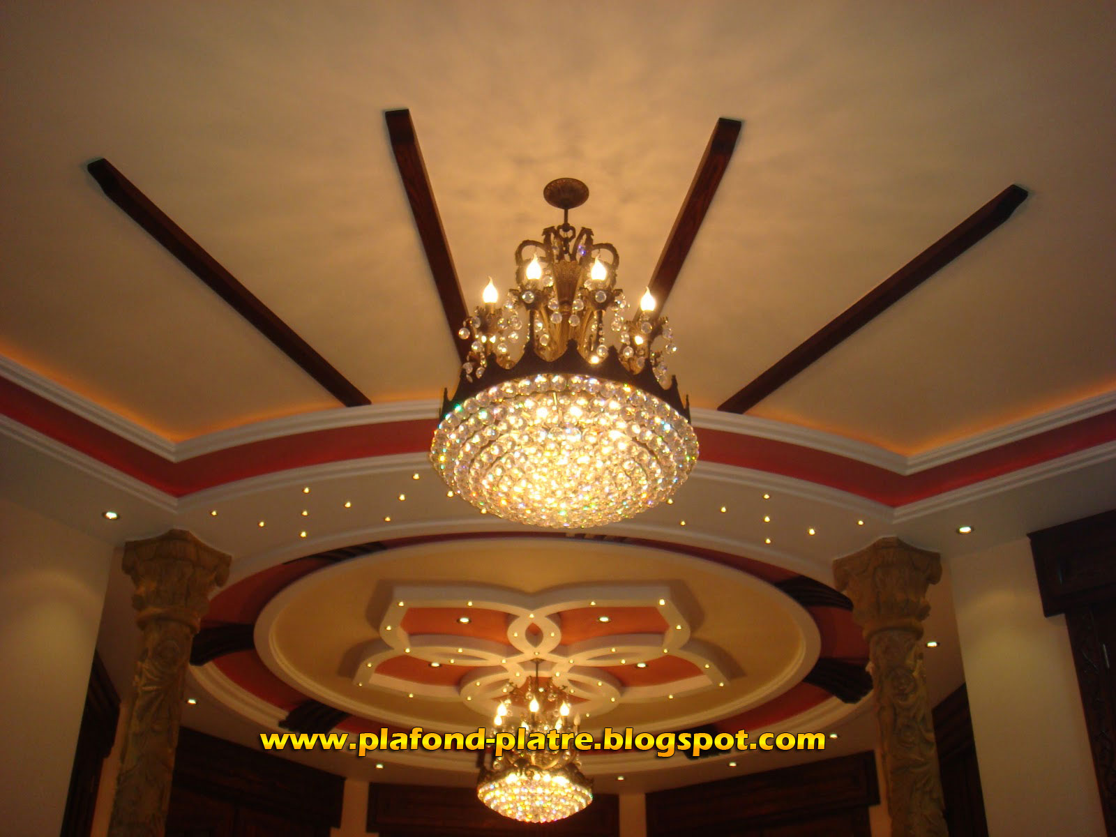 Faux plafond pl tre d coration 2013 for Decoration platre