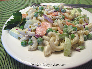 Springtime Macaroni Salad with Peas