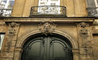 Balcon du 47 rue Saint-André-des-Arts à Paris