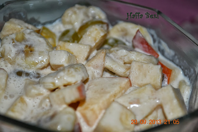 Fruit salad| Salad| Banana| Apple| Grapes| Cream| Ramadan| Sweet