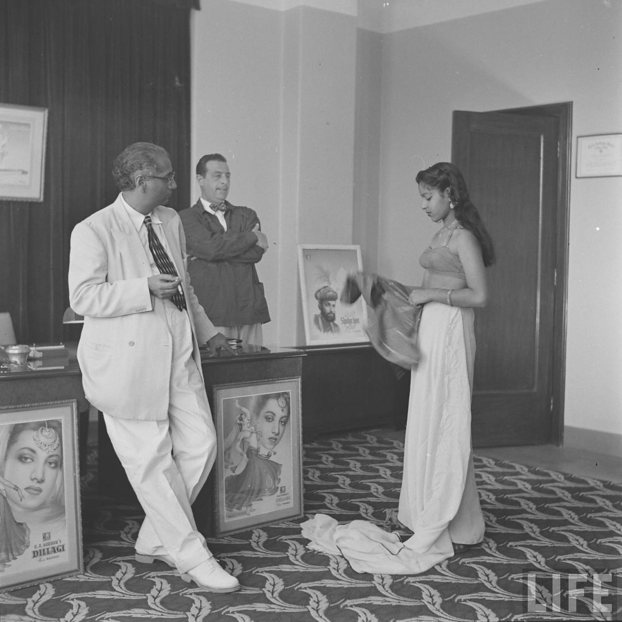 Vintage pictures of casting couch in bollywood spicx - Casting couch in indian film industry ...