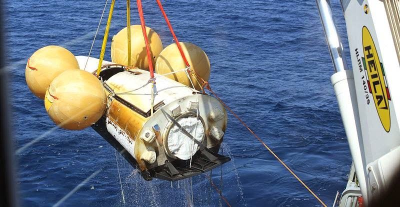 Recovery of ESA's Intermediate eXperimental Vehicle in the Pacific Ocean just west of the Galapagos islands. Credit: ESA